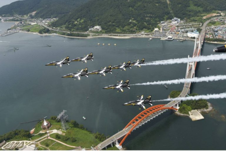 """Korean """"Black Eagles"""" to Have Special Air Show in Sacheon Until Saturday"""
